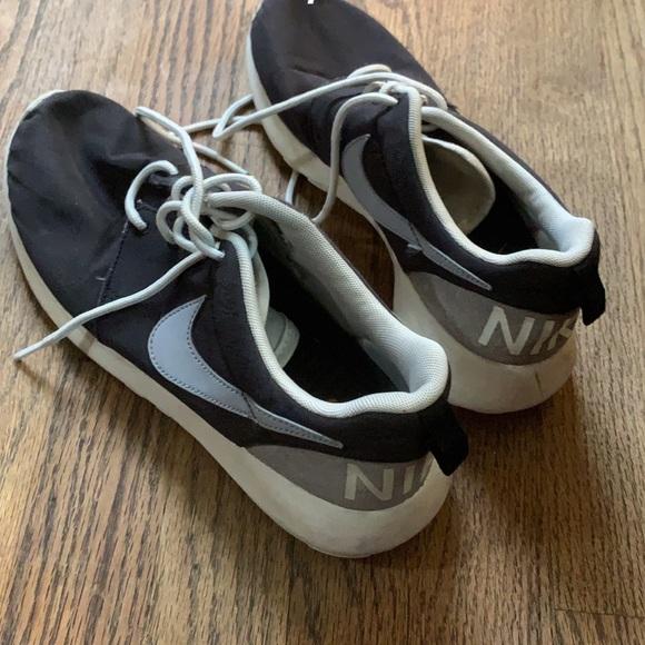 Nike Shoes   Vintage Roshe   Poshmark